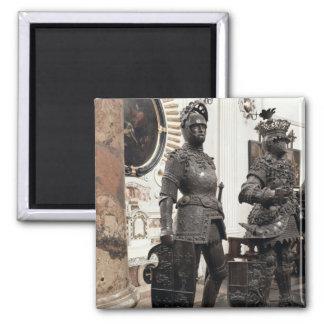 アーサーのマクシミリアンの墓からの彫像王 マグネット