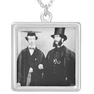 アーサーMunbyおよび彼の父、c.1851 シルバープレートネックレス