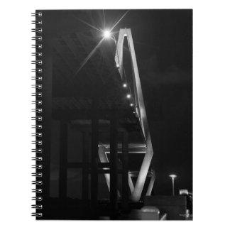 アーサーRavenelのグレースケールの下 ノートブック