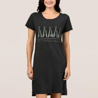 アースデーの黒のTシャツの服を毎日作って下さい ドレス