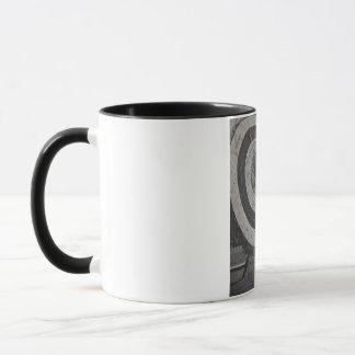 アーチェリー装置のマグ マグカップ
