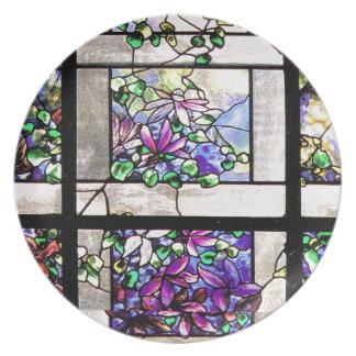 アールヌーボーのステンドグラスによってTiffanyは花柄が開花します プレート