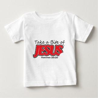 イエス・キリストの乳児のTシャツのかみ傷を取って下さい ベビーTシャツ