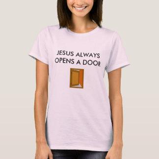 イエス・キリストはドアBASIC/の淡いピンクのTシャツを常に開けます Tシャツ