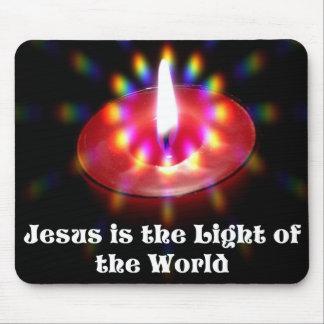 イエス・キリストは世界の赤の蝋燭のライトです マウスパッド