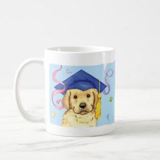 イエロー・ラブラドール・レトリーバーの卒業生 コーヒーマグカップ