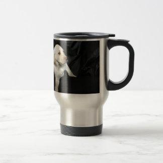 イエロー・ラブラドール・レトリーバーの子犬Sadie トラベルマグ