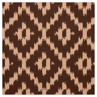 イカットのダイヤモンドパターン-チョコレートおよび淡い色のなモモ ファブリック