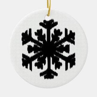 イカットの雪片-白および黒 セラミックオーナメント