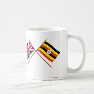 イギリスおよびウガンダによって交差させる旗 コーヒーマグカップ