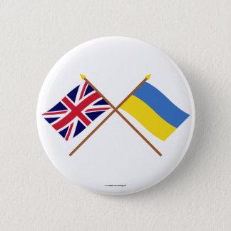 イギリスおよびウクライナによって交差させる旗 5.7CM 丸型バッジ