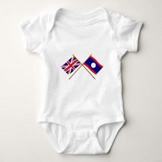 イギリスおよびラオスによって交差させる旗 ベビーボディスーツ