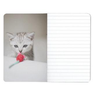 イギリスのshorthairの子ネコの臭いがするおもちゃのマウス ポケットジャーナル
