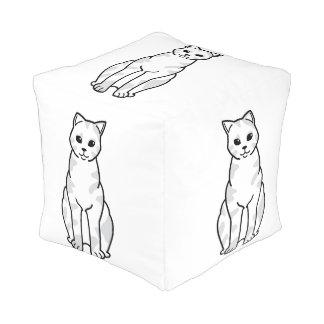 イギリスのShorthair Tortie猫の漫画 プーフ