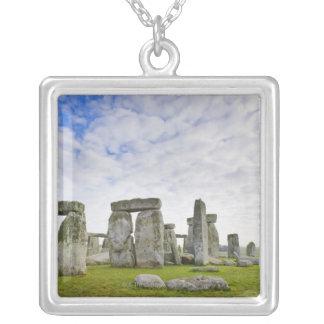 イギリス、Stonehenge シルバープレートネックレス