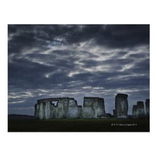 イギリス、Stonehenge、夜明けに景色の眺め ポストカード