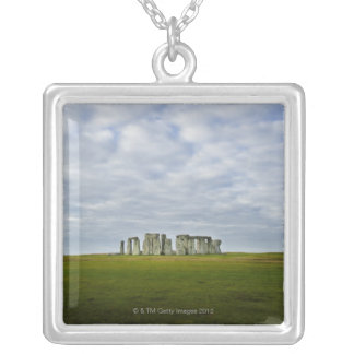 イギリス、Stonehenge 5 シルバープレートネックレス