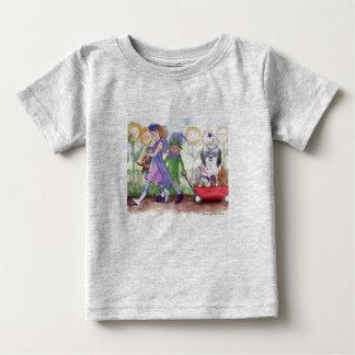 イザベラ女王及びこっけい者のタッドの乳児のティー ベビーTシャツ