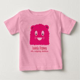 イザベラFezywegのピンクの幼児Tシャツ ベビーTシャツ