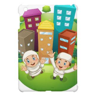 イスラム教のカップルおよび建物 iPad MINIケース