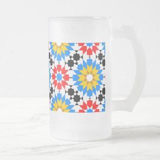 イスラム教の幾何学的なパターンマグ フロストグラスビールジョッキ