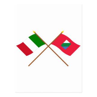イタリアおよびアブルッツォによって交差させる旗 ポストカード
