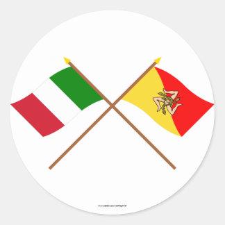 イタリアおよびSiciliaによって交差させる旗 ラウンドシール
