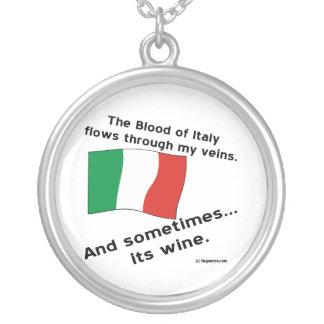 イタリアの血のワイン シルバープレートネックレス