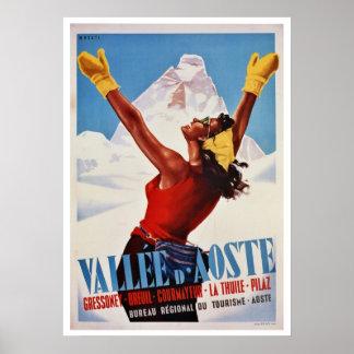 イタリアンなアルプス旅行をハイキングするヴィンテージの冬 ポスター