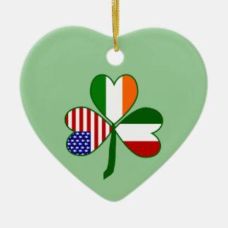 イタリアンなシャムロックの緑の背景 セラミックオーナメント