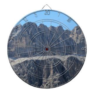イタリアンなドロマイトの山頂の1つ ダーツボード