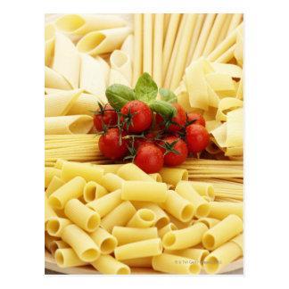イタリアンな料理。 パスタおよびトマト ポストカード