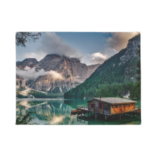 イタリアンなmountains湖の景色の写真 ドアマット