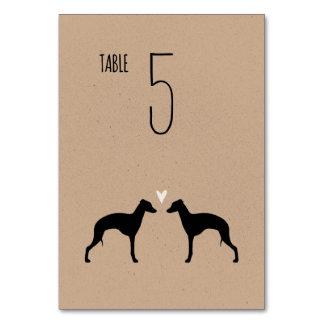 イタリアン・グレーハウンドは結婚式のテーブルカードのシルエットを描きます カード