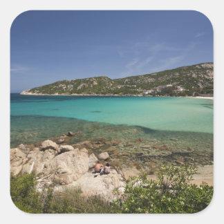 イタリア、サルジニア、Bajaサルジニア。 リゾート浜 スクエアシール