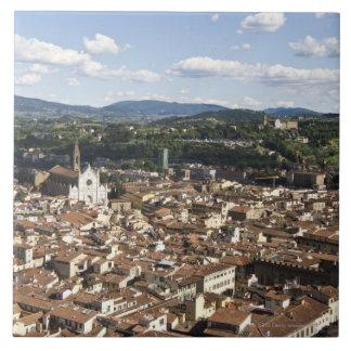 イタリア、サンタの教会が付いているフィレンツェの眺め タイル