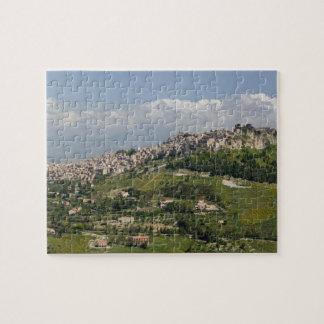 イタリア、シシリー、エンナ、Calascibetta、朝の眺め ジグソーパズル