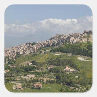 イタリア、シシリー、エンナ、Calascibetta、朝の眺め スクエアシール