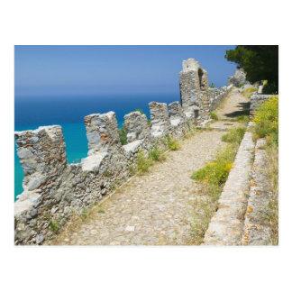 イタリア、シシリー、CefaluのCliffsideの通路、La ポストカード