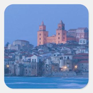 イタリア、シシリー、Cefalu、大教会堂との眺めからの スクエアシール