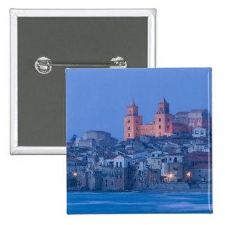 イタリア、シシリー、Cefalu、大教会堂との眺めからの 5.1cm 正方形バッジ