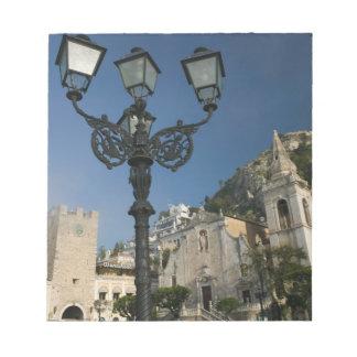 イタリア、シシリー、TAORMINA: 広場IX Aprile、サン ノートパッド
