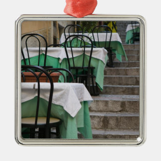 イタリア、シシリー、TAORMINA: Corsoアンバート1のカフェ メタルオーナメント