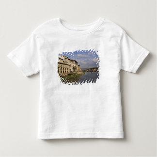 イタリア、タスカニー、フィレンツェ。 の昼間の眺め トドラーTシャツ