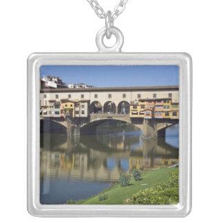 イタリア、タスカニー、フィレンツェ、Ponte Vecchio 2 シルバープレートネックレス