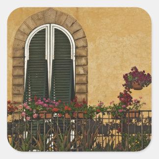 イタリア、タスカニー、ルッカ。 と飾られるバルコニー スクエアシール