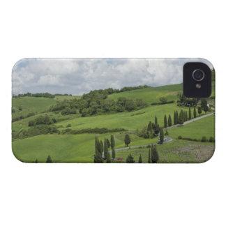イタリア、タスカニー。 La Foce。 曲げられた道は終わります Case-Mate iPhone 4 ケース