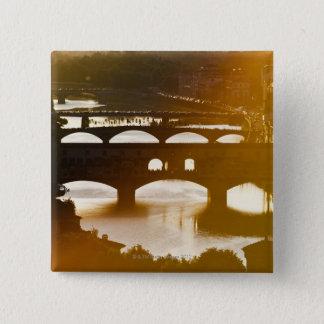 イタリア、フィレンツェ、Ponte VecchioおよびRiver Arnoの 5.1cm 正方形バッジ