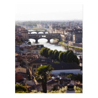 イタリア、フィレンツェ、Ponte VecchioおよびRiver Arno ポストカード