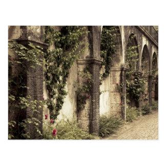 イタリア、ブレシアの地域、Gardoneリビエラ。 庭 ポストカード